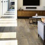 Nên chọn sàn gỗ tự nhiên hay sàn gỗ công nghiệp khi thi công nội thất ?